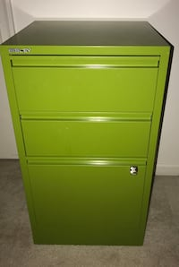 Green Bisley metal 3 drawer file cabinet Springfield, 22150