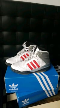 Adidas sneakers size 12 New York, 10026