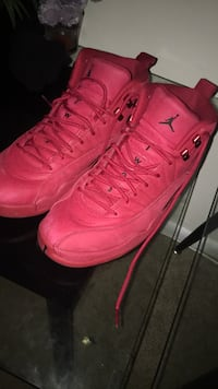 pair of red Air Jordan basketball shoes District Heights, 20747