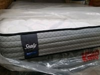 New king mattress sealy luxury brand. Delivery 40$ Edmonton, T5W 2H3