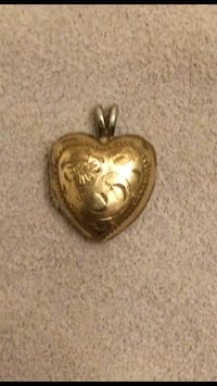 Gold Heart Locket pendant Edmonton, T5W 2X2
