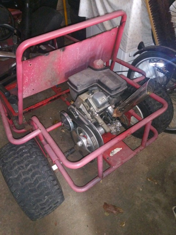 Go kart / engine / parts