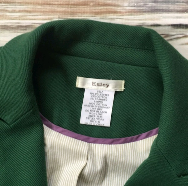 Esley Green Blazer Jacket Fitted Suit Coat Small e8d2fd4c-adbe-40ba-8120-66abc03d0693