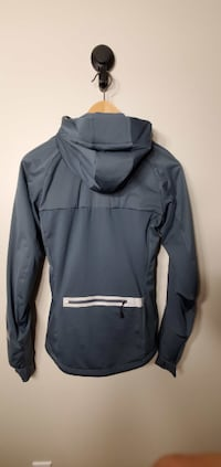 Nike Women`s Winter Jacket Size S Condition New