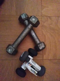 two pairs of fixed weight dumbbells Alexandria, 22304