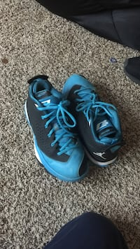 pair of black-and-blue Air Jordan basketball shoes Jacksonville, 72076