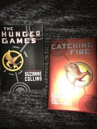 two The Hunger Games by Suzanne Collins books Creswell, 97426