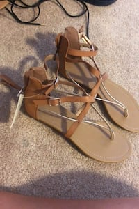 Sandals size 8 never been worn