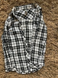 Charlotte Russe black & white flannel size S