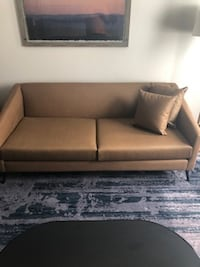 New Custom Marriott Couch DESMOINES
