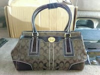 *GENUINE* Coach Signature Hamptons Carryall Sacramento