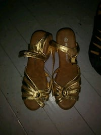 pair of brown leather open-toe sandals Jacksonville, 32219