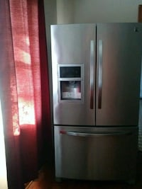 French door refrigerator. Oxon Hill
