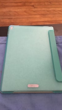 iPad case.  Fits new iPads 9.7in model   Portsmouth, 03801