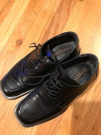 Pair of black leather dress shoes Fremont, 94539