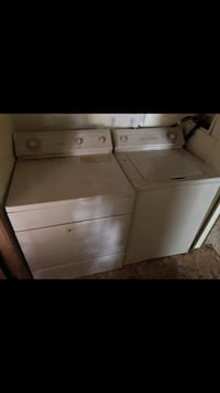 Whirlpool washer and dryer (gas) dryer Lapeer, 48446