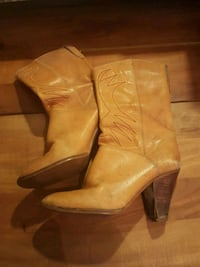Vintage high heeled boots  Dallas, 75219