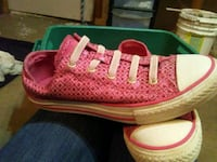 pair of pink low-top sneakers Midwest City, 73110
