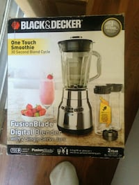 Black and decker one touch smoothie blender. New Toronto, M3J