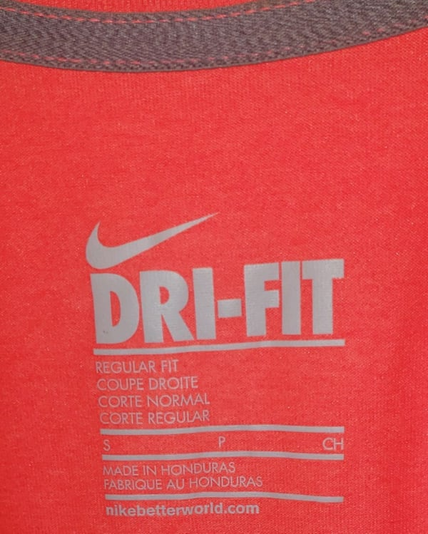 NEW Small NIKE V-Neck Workout Sport Top T-Shirt  3e1006db-82a4-4bf9-878d-b76e7dd22eee
