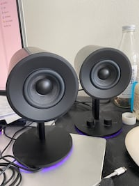 Razer Nommo Chroma Full Range 2.0 PC Gaming Speakers. Look like new.