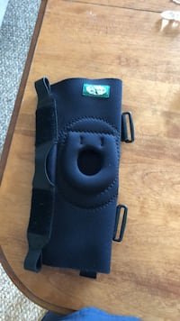 Knee brace  Waterloo, N2J