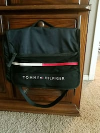 Tommy Hilfiger messenger Bag Amarillo, 79119