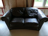Leather couch Innisfil, L9S 0B2