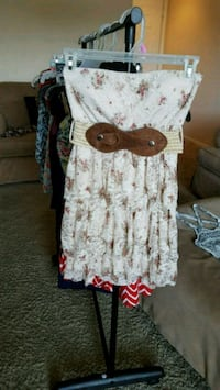 Women's floral lace dress Fort Worth, 76102