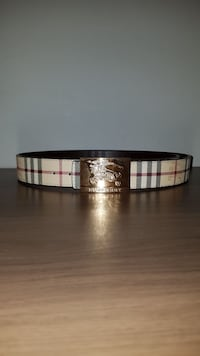 100% authentic yellow and gold Burberry belt size: 30-38 Toronto, M4C 5L4