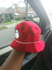 red and black fitted cap Detroit, 48228