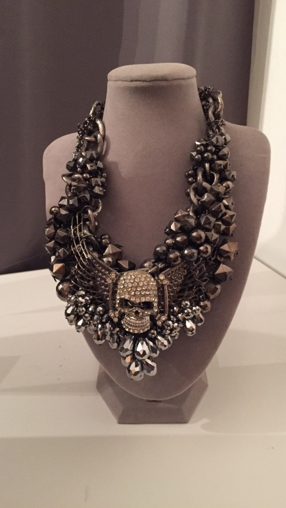 Silver skull necklace So B