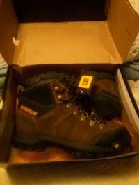 pair of brown leather work boots with box Jacksonville, 32222
