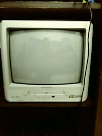 3 Tube Tvs...2 have Dvd Players Build In Pharr, 78577