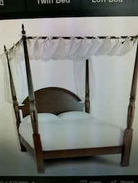 Four poster bed from Bombay furniture Montréal, H4M 2W1