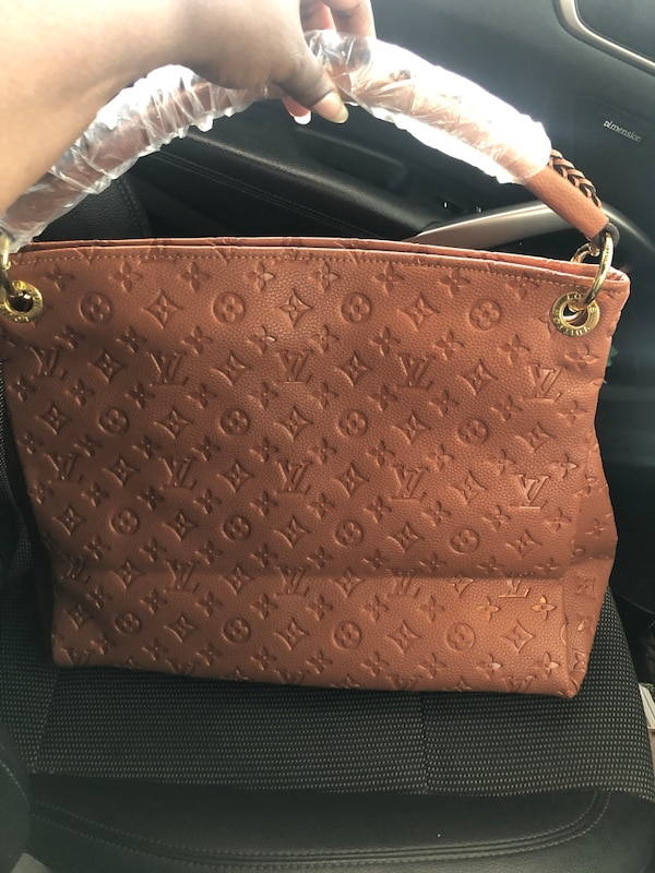 f1f56f065 Used Brown Hobo w wallet for sale in Atlanta - letgo