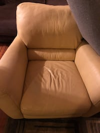 Chair and loveseat with ottoman 463 mi