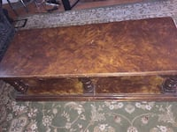 Wood table  Dollard-des-Ormeaux, H9B 1K9