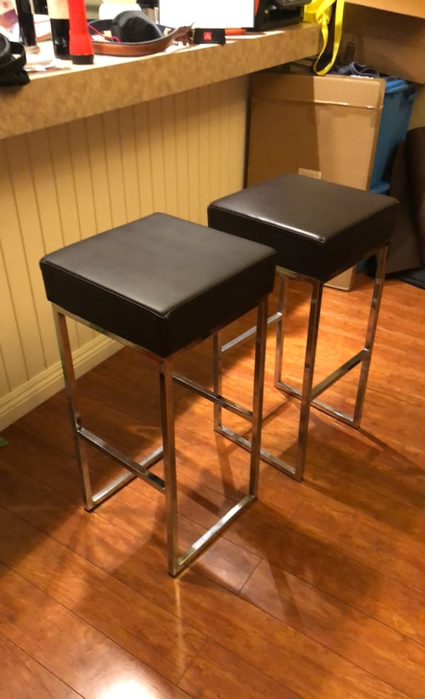30 inch high Black Leather Barstools 2