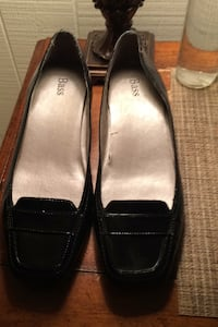 Bass leather black small low heel size 9 Allentown, 18109
