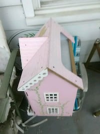 Doll house   20 BV or BV best offer Hagerstown, 21740