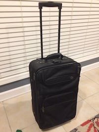 Large checked bag and carryon suitcase combo Lafayette, 70508