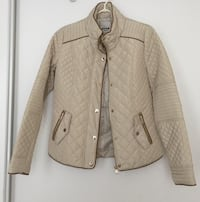 Jacket size small never worn Mississauga, L5B