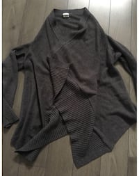 Grey Cardigan size sm/med PICK UP POINTE CLAIRE ONLY!