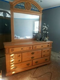 Dresser 15+years, needs a few knobs and dusting. Oxnard, 93036