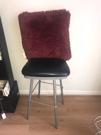 black and gray metal chair