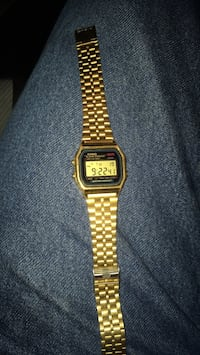 square gold Casio digital watch with link bracelet San Bernardino, 92346