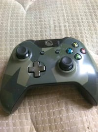 Xbow one wireless console controller Baltimore, 21215