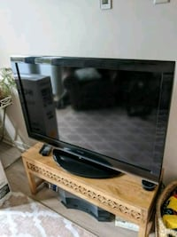 Toshiba 46 inch TV with remote and 4 HDMI ports