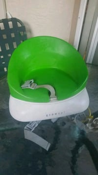 green and white Bumbo floor seat Sunnyvale, 94087